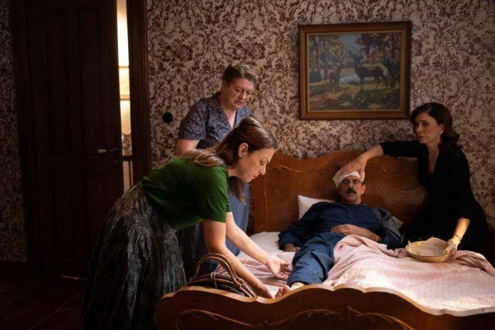 Ελένη Καρακάση: Αποκαλύπτει πως πήρε τον ρόλο της Ρίζως στις