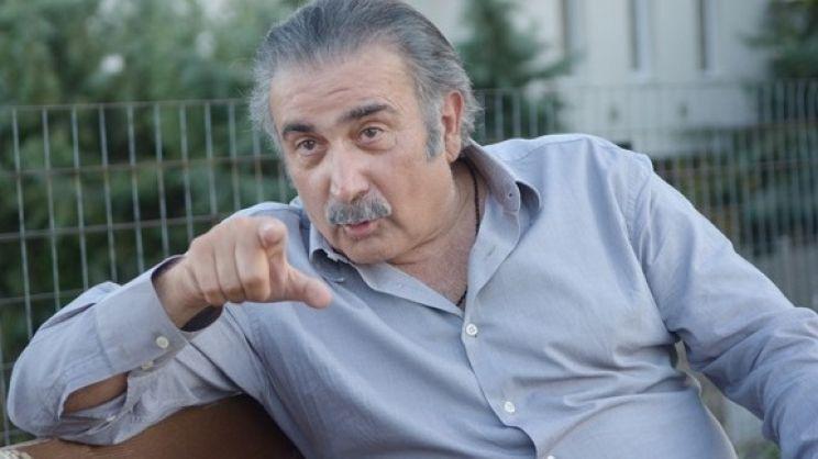 Λάκης Λαζόπουλος: Το χιουμοριστικό video του στα λαρισαϊκά που προτρέπει τους Λαρισαίους να μείνουν σπίτι
