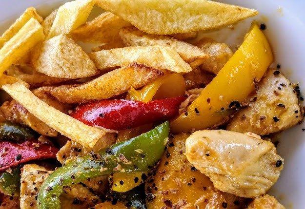 Τηγανιά κοτόπουλο από την Εύα Παρακεντάκη