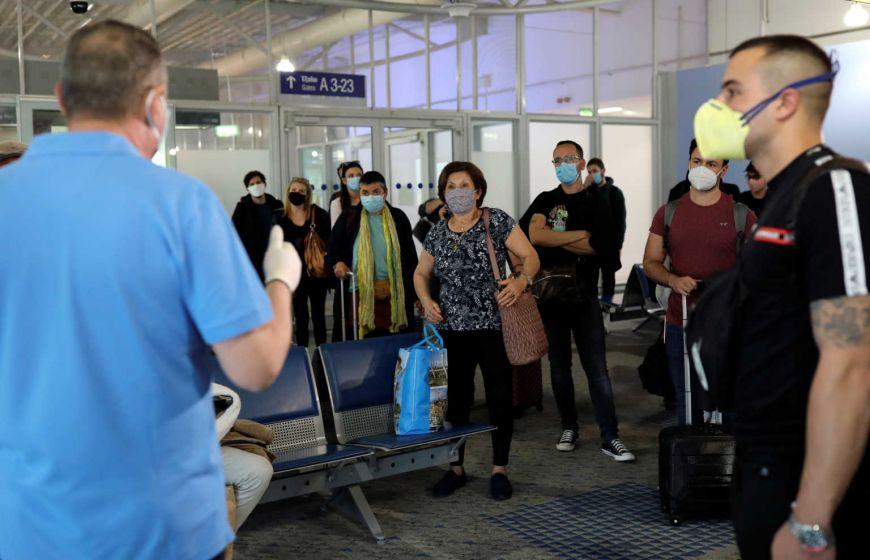 Ποιοι τουρίστες θα μπαίνουν σε καραντίνα και θα κάνουν υποχρεωτικά τεστ