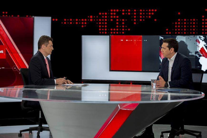 Δείτε φωτογραφίες από τη υποδοχή του πρωθυπουργού, Αλέξη Τσίπρα στον Alpha