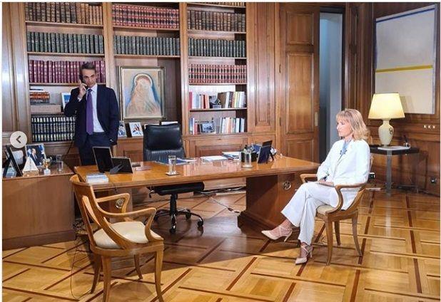 Μάρα Ζαχαρέα: Μοιράζεται εικόνες backstage από τις προετοιμασίες στου Μαξίμου λίγο πριν την συνέντευξη με τον Έλληνα πρωθυπουργό