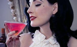 """Γυναικεία εκσπερμάτωση: Τι κρύβουν οι... """"χυμοί"""" της;"""