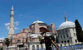 Δεν χάνουν ούτε λεπτό οι Τούρκοι – Έκλεισαν την Αγιά Σοφιά και ξεκινούν τα έργα για να γίνει τζαμί