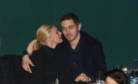 Tρυφερές αγκαλιές για Μακρυπούλια-Χατζηγιάννη σε έξοδο τους! (Photos)
