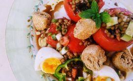 Φακοσαλάτα με αυγά και δυόσμο από την Εύα Παρακεντάκη