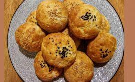 Συνταγή για τυροπιτάκια με ζυμάρι 4 υλικών σε 20 λεπτά από την Εύα Παρακεντάκη!