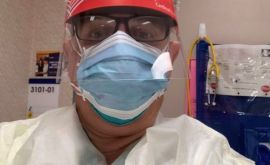 """Η ζωή ενός ομογενή γιατρού που μάχεται τον κορονοϊό:""""Χειρότερα κι από το Contagion"""", λέει ο Δρ. Βασίλειος Βελμάχο"""