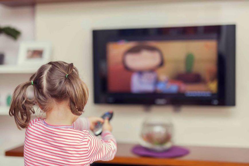 Πώς θα μειώσετε το χρόνο που περνάνε τα παιδιά σας μπροστά στην τηλεόραση;