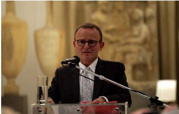 Ο Βρετανός Πρέσβης που είναι ερωτευμένος με την Ελλάδα μάς αποχαιρετά με μία συγκινητική επιστολή
