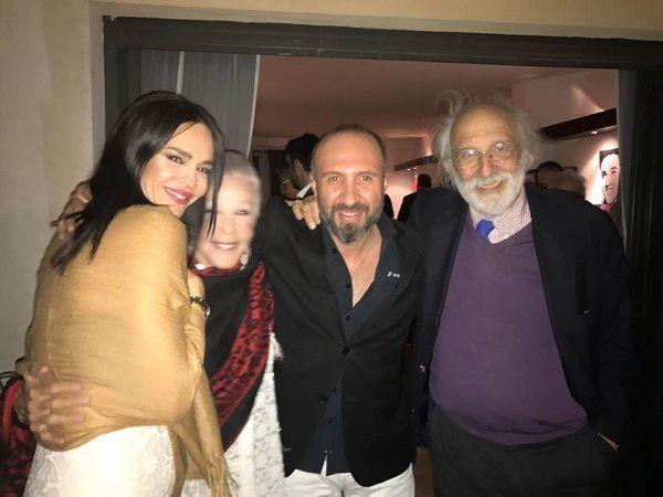 Με αγαπημένους φίλους και συνεργάτες γιόρτασε τα γενέθλια του ο επιχειρηματίας Φώτος Πιττάτζης! Λαμπερή στο πλάϊ του η σύζυγος του Νικολέττα Καρρά (Photos)