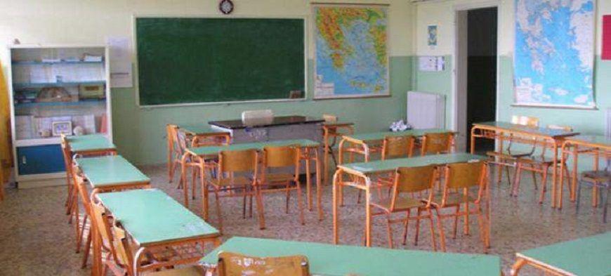 """Τα χυδαία SMS του 48χρονου δασκάλου στις 9χρονες μαθήτριες: """"Θες να γευτείς τα χειλάκια μου;"""""""