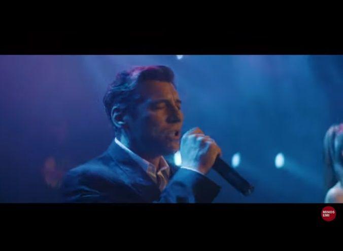 """Ο Γιάννης Στανκόγλου σε ρόλο τραγουδιστή: Ακούστε τον στο """"Όλα δικά μας"""" με την Ρένα Μόρφη"""