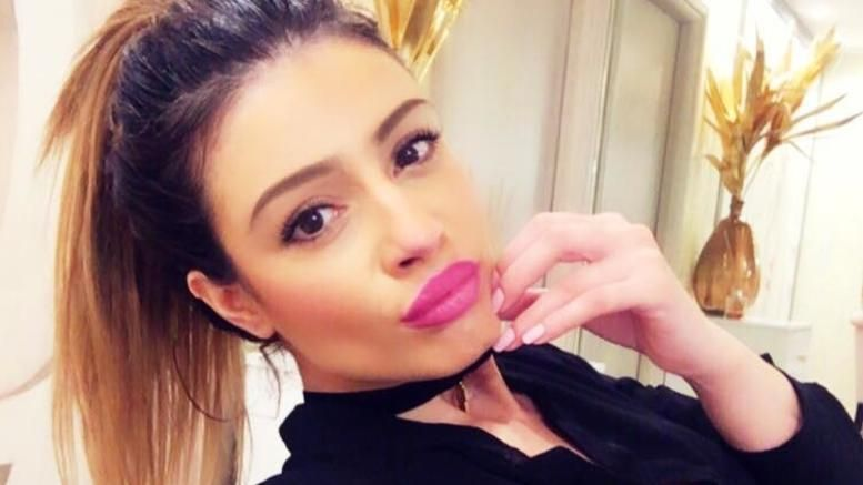 Η Μίνα Αρναούτη πλήρωσε  11.500 ευρώ στην  οικογένεια Παντελίδη για τις αναρτήσεις της στο Facebook