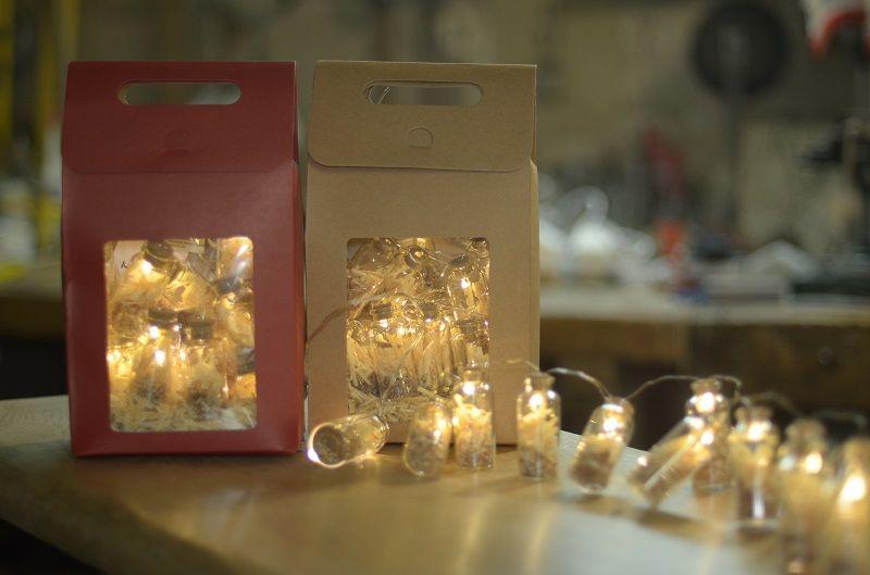Χριστουγεννιάτικα φωτεινά ροκανίδια. Τα λαμπιόνια του Ξυλουργού!