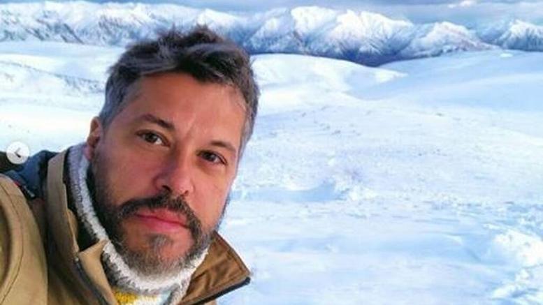 "O Xάρης Βαρθακούρης είναι και επίσημα ο παρουσιαστής του ""Big Brother""-Η ανακοίνωση του καναλιού"