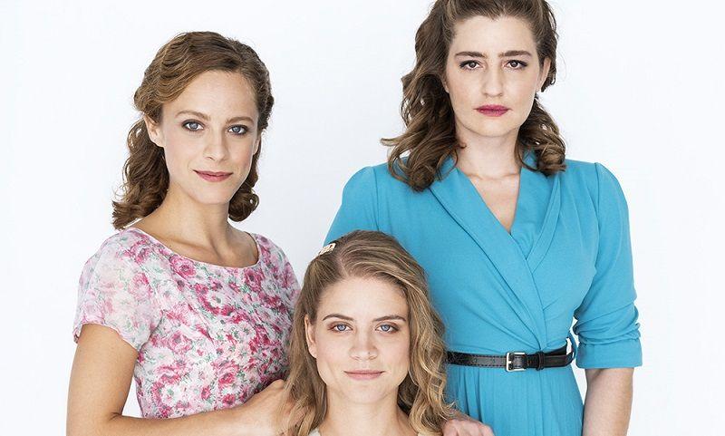 """Είναι πολύ σκληρές οι τρεις αδερφές στις """"Άγριες Μέλισσες"""".Έχουν μεταξύ τους μια ομερτά όπως η μαφία."""