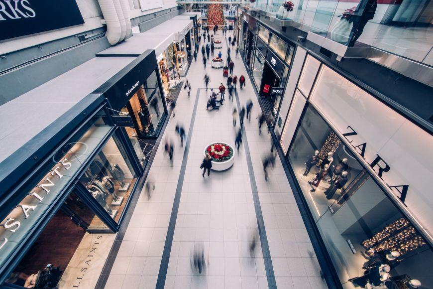 Εμπορικά κέντρα: Ανοίγουν τη Δευτέρα – Οι περιορισμοί και τι ισχύει με τη μάσκα