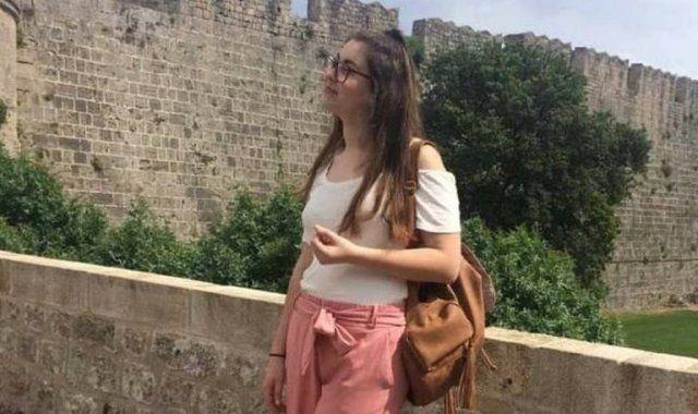 Η συγκινητική στιγμή που η Κατερίνα Σακελλαροπούλου συναντήθηκε με τους γονείς της Ελένης Τοπαλούδη
