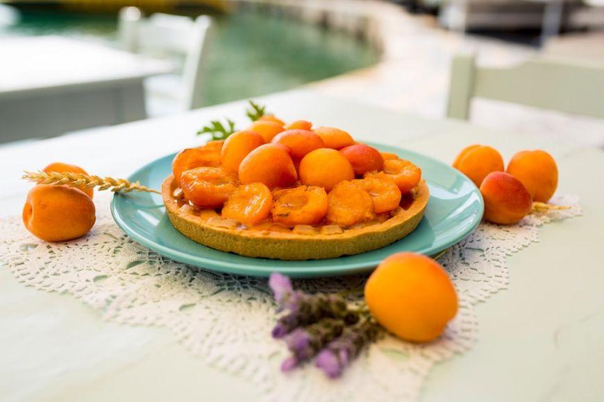 Τάρτα βερίκοκο με μέλι από την Εύα Παρακεντάκη