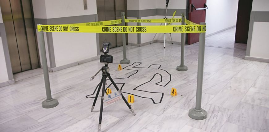 Αυτοψία με κάμερα στο ελληνικό CSI: Πώς βρίσκουν τον δράστη σε «τέλειο» έγκλημα