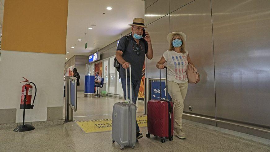 ΠΟΥ: Προειδοποίηση προς τους ταξιδιώτες- «Ανοδικές τάσεις» στη διασπορά του κορωνοϊού