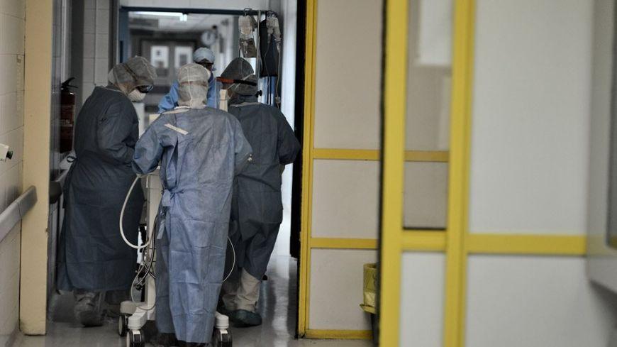 Κρούσματα κορωνοϊού: Μεγάλη η διασπορά – 51 νέες νοσηλείες σε λίγες ώρες