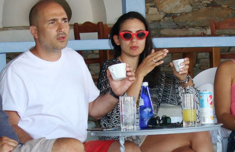 Κωνσταντίνος Μπογδάνος-Ελένη Καρβελά: Χαλαρές στιγμές στα Κουφονήσια (Photos)