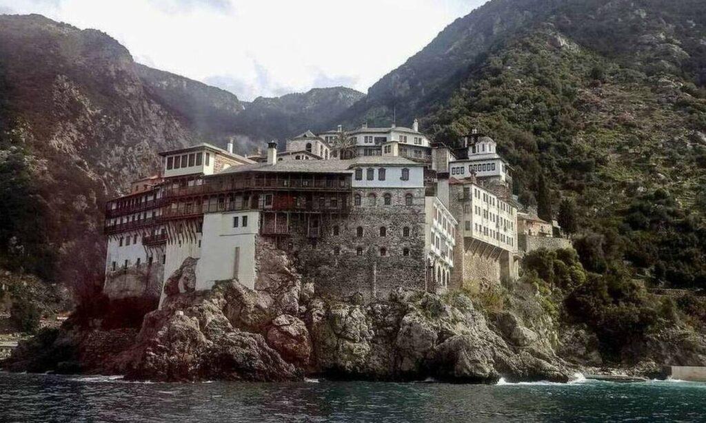 Κορονοϊός – Συναγερμός για το Άγιο Όρος: Ανοιχτό το ενδεχόμενο για lockdown μετά τα 13 κρούσματα