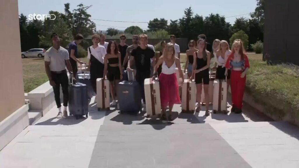 GNTM 3:  Μπήκαν στο σπίτι οι διαγωνιζόμενοι – Δείτε πώς αντέδρασαν