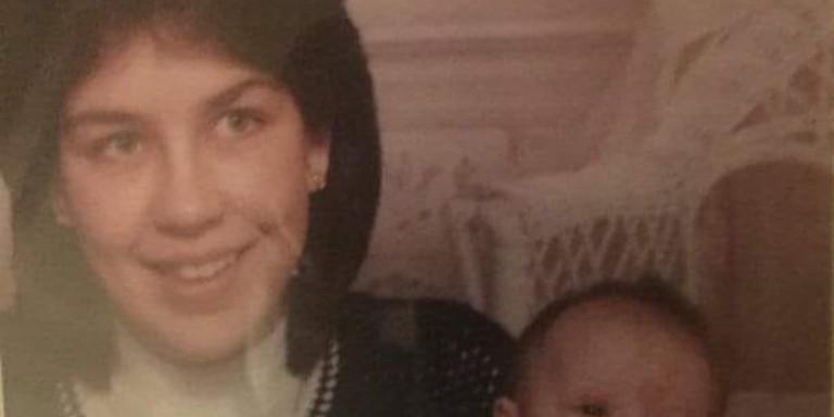 Μητέρα αναζητούσε την κόρη της που έδωσε για υιοθεσία και αποκάλυψε έναν βιαστή και δολοφόνo