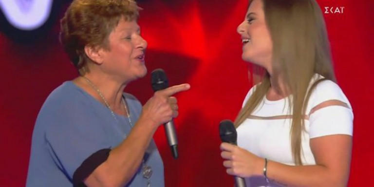 The Voice: Εκλεψε την παράσταση διαγωνιζόμενη που τραγούδησε μαζί με τη γιαγιά της στη σκηνή Πηγή: i