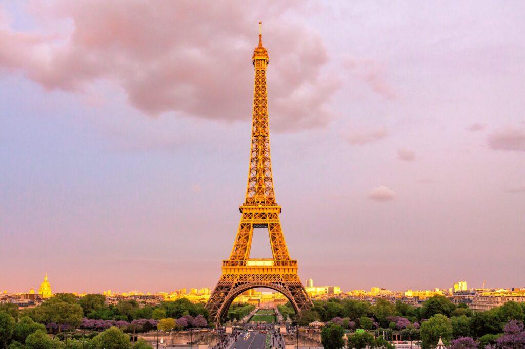 Το lockdown στο Παρίσι 21:00 με 06:00 ξυπνά φόβους και στην ελληνική αγορά -Τεράστιες οι απώλειες