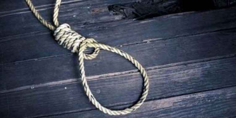 Οικογενειακή τραγωδία στην Κρήτη: Απαγχονίστηκε με τη γραβάτα του, λίγες ώρες πριν από τη δίκη για τα χρέη του