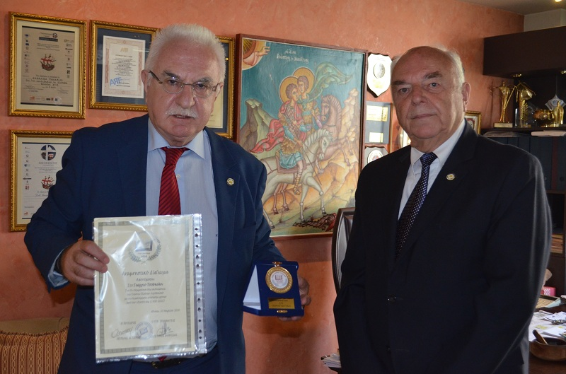 Η Ένωση Ελλήνων Λογοτεχνών τίμησε τον Γιώργο Τσούκαλη