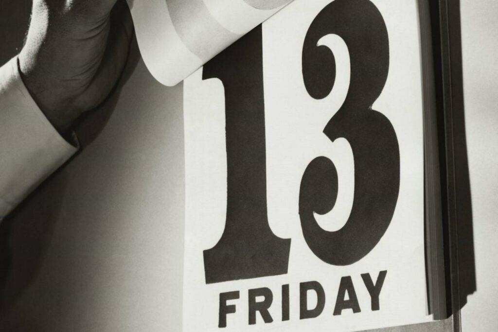 Παρασκευή και 13: Γιατί θεωρείται γρουσούζικη ημέρα