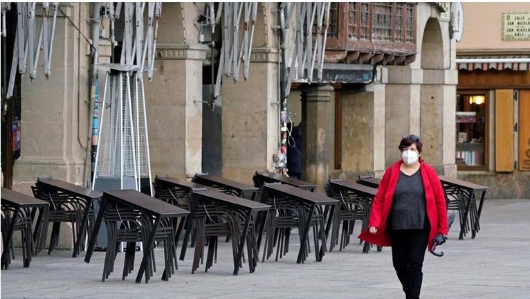 """Κορονοϊός – Το """"θαύμα της Μαδρίτης"""": Ποια είναι η τακτική κατά της πανδημίας που αποδίδει"""