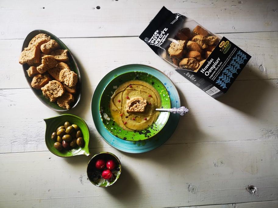 Σούπα λαχανικών βελουτέ με ντακάκια οσπρίων από τον Φούρνο Ντουρουντούς