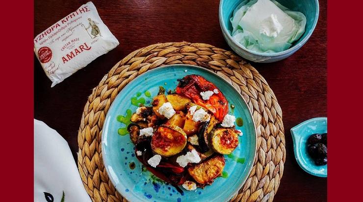 Τουρλού λαχανικών με τραχανά και μυζήθρα Αμάρι από την Εύα Παρακεντάκη