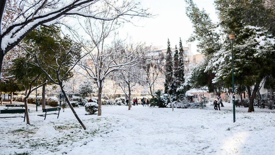 Καιρός – Κακοκαιρία «Λέανδρος»: Καταιγίδες στο ανατολικό Αιγαίο, χιόνια και πολικές θερμοκρασίες