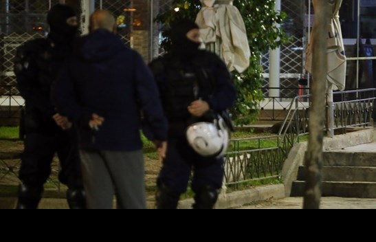 Εγκλημα στον Νέο Κόσμο: Νέο ξεκαθάρισμα λογαριασμών με έναν νεκρό σε μια πλατεία γεμάτη κόσμο