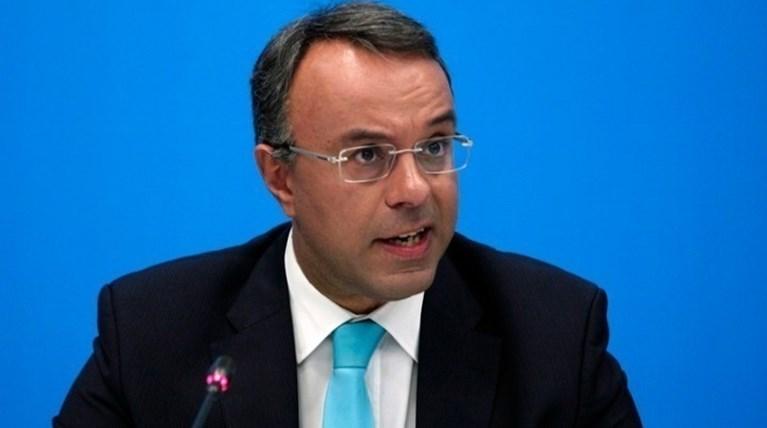"""""""Καλησπέρα, είμαι ο Χρήστος Σταϊκούρας"""": Όταν ο υπουργός πήρε τηλέφωνο πολίτες για να ακούσει τις καταγγελίες τους"""