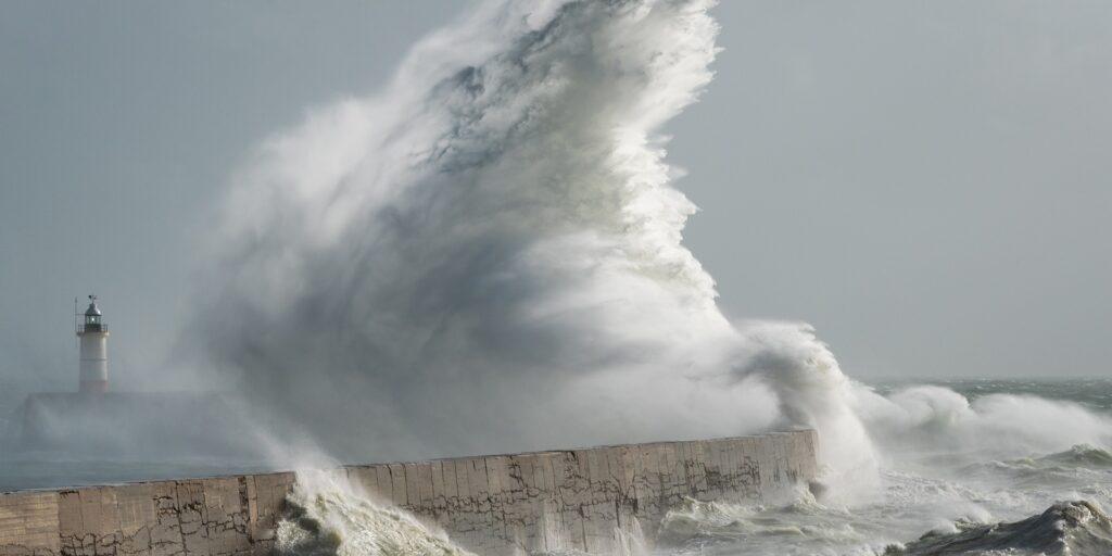 Εκτακτο δελτίο της ΕΜΥ: Χιονοπτώσεις, καταιγίδες και θυελλώδεις άνεμοι με πτώση της θερμοκρασίας