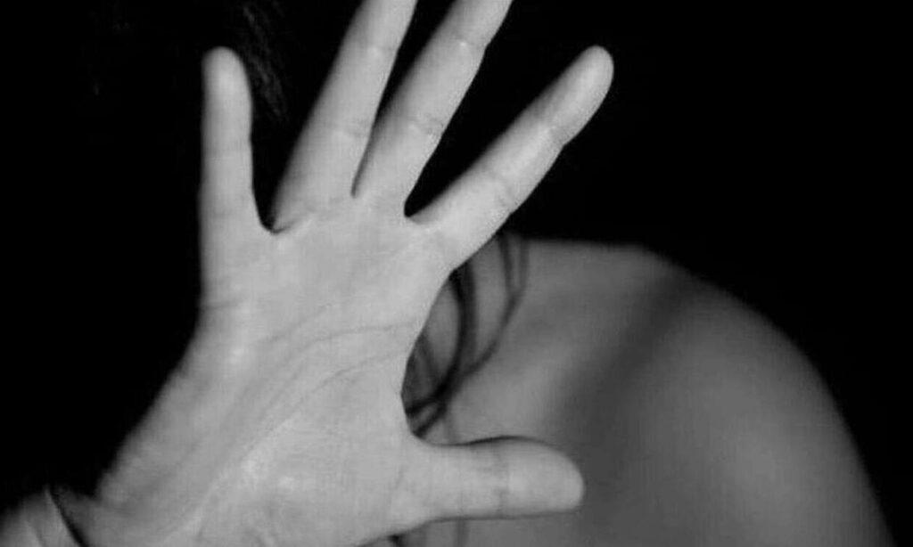 Σοκ: Πολιτικός βίασε τη 17χρονη κόρη του ενώ η σύζυγός του ήταν στο νοσοκομείο με κορονοϊό