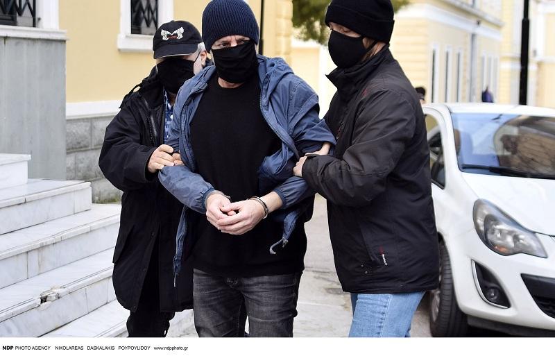 Καρέ καρέ η στιγμή που ο Λιγνάδης οδηγείται στη φυλακή-Πιθανώς στα Τρίκαλα