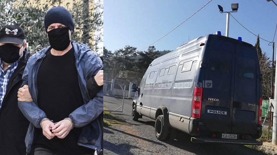 Λιγνάδης: Οδηγήθηκε στις φυλακές Τρίπολης – Σε απομόνωση την πρώτη εβδομάδα