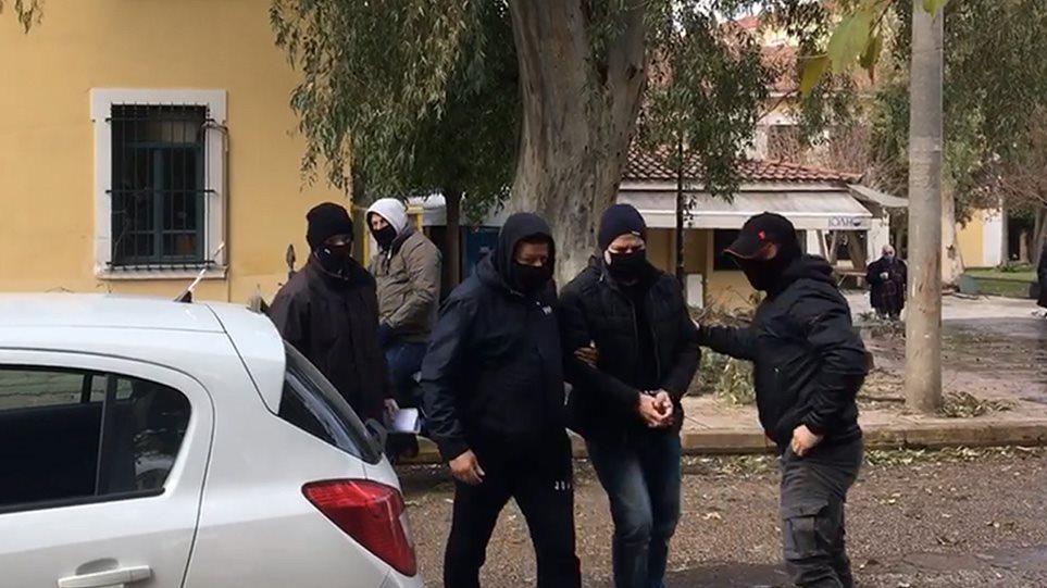 Δημήτρης Λιγνάδης: Οι μαρτυρίες- «φωτιά» που οδήγησαν στην σύλληψη του γνωστού σκηνοθέτη – ηθοποιού