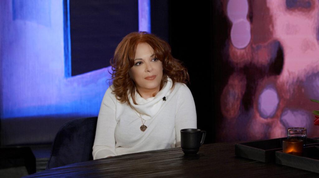 Ελένη Ράντου: Η εξουσία φοράει πάντα παντελόνια.Ανδρικά παντελόνια