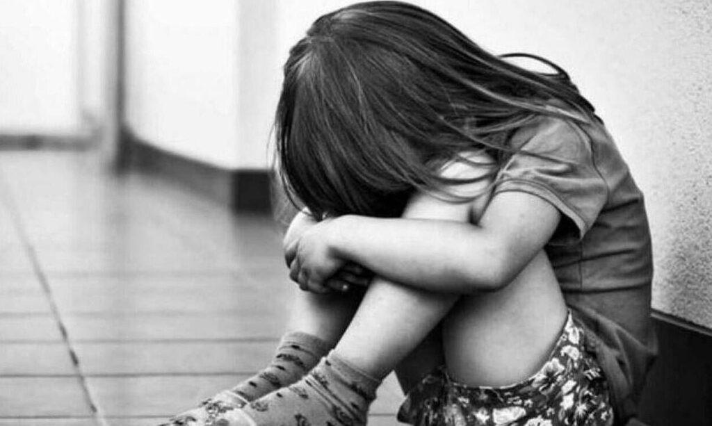 Φρίκη: Σατανική μητριά βασάνιζε 8χρονη – Την είχε δεμένη και νηστική για εβδομάδες