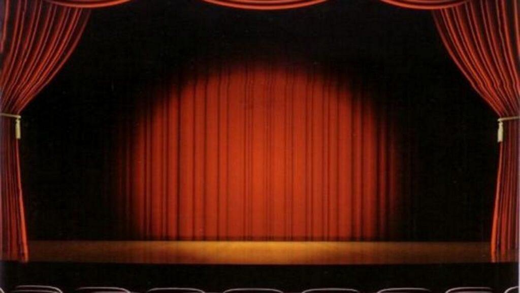 """Καταγγελίες """"φωτιά"""" για τον σεναριογράφο Αλέξανδρο Κακαβά: """"Πρέπει να κοιμηθείς μαζί μου για να κάνεις καριέρα"""""""